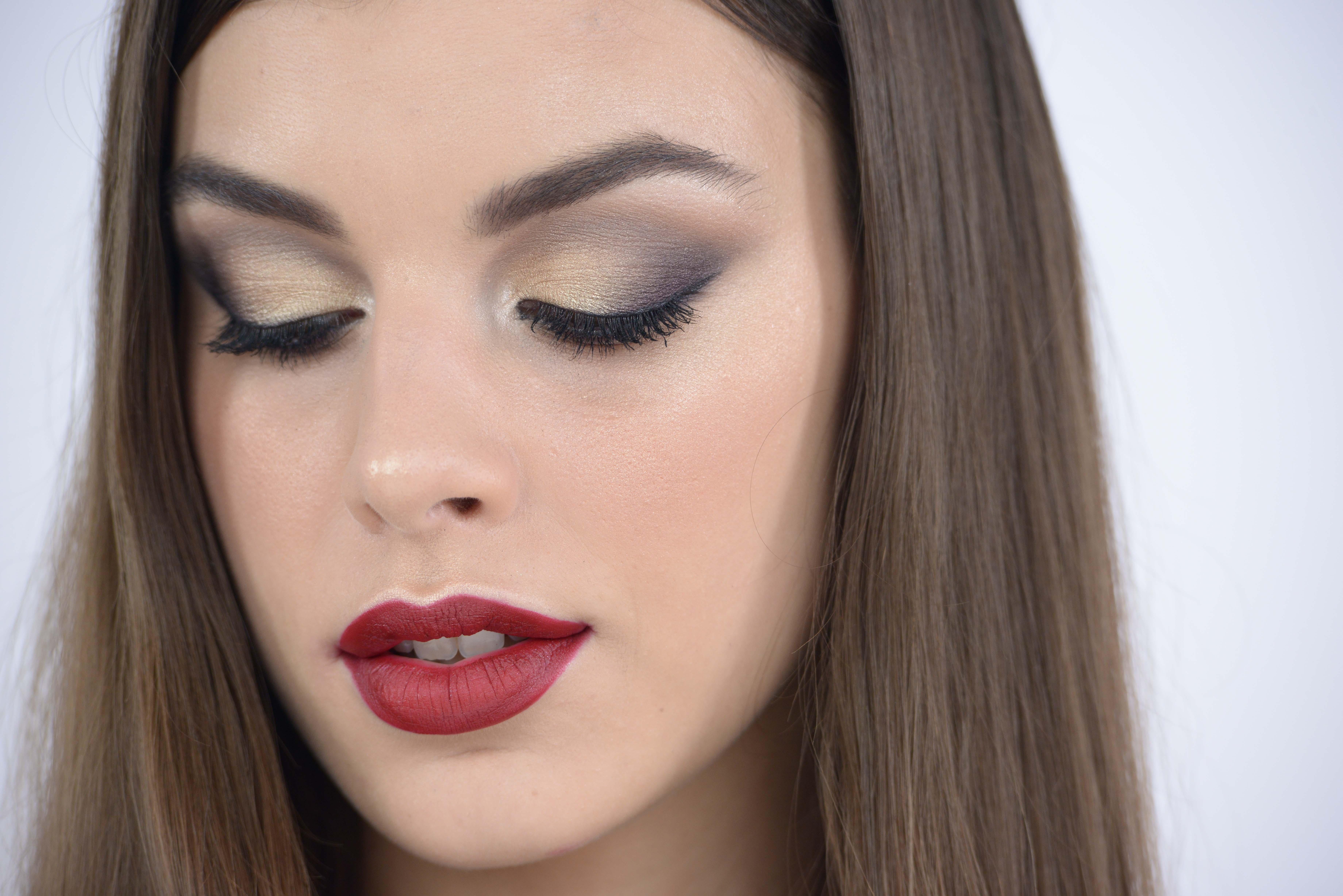Come rendere più luminoso il viso con il trucco ? Il nostro make up artist  Giorgio Forgani ci mostra come realizzare un trucco luminoso con la tecnica  dello