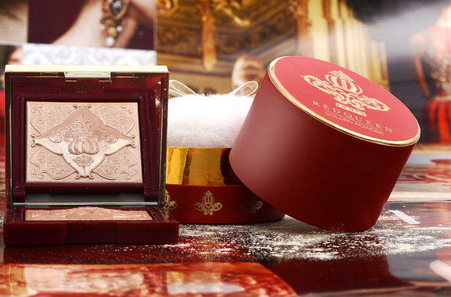 PUPA MILANO RED QUEEN: Pure Gold Highlighter, and Scented Shimmering Loose Powder – Face and Body